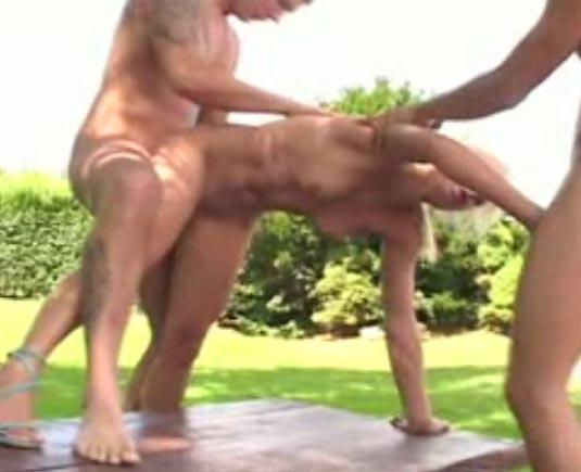 Video sexe jeune blonde salope