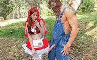 Video actrice porno Nikki Rhodes en Chaperon rouge