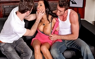Video porno Eva Angelina double pénétration bien hard