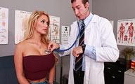 Video porno Shyla Stylez enculée Hard par son médecin
