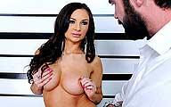 Video porno Amy ried gros seins Baise un flic